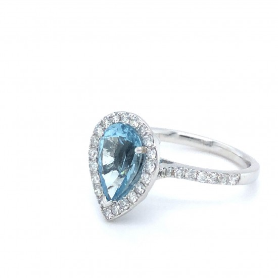 18ct White Gold 2.02ct Aquamarine & Diamonds Ring