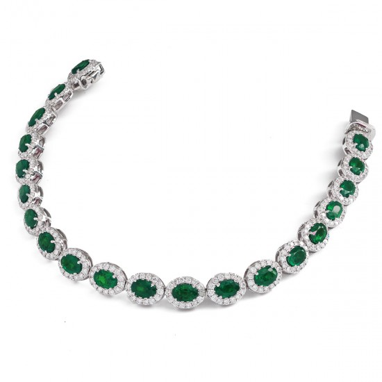 12.30ct 18ct White Gold Emerald Bracelet