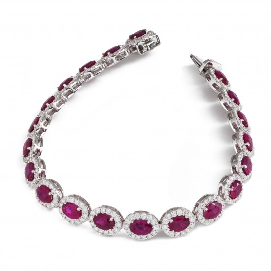 12.50ct 18ct White Gold Ruby Bracelet